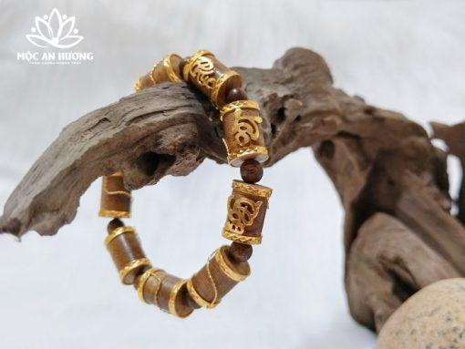 Lưu ý khi đeo vòng tay trầm hương bọc vàng