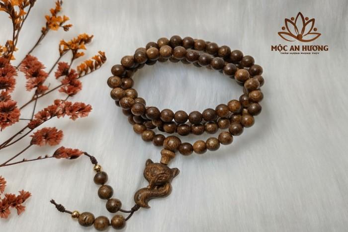 Cách đeo vòng trầm hương 108 hạt